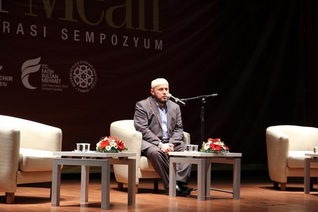 http://medit.fsm.edu.tr/resimler/upload/Direnen-Meal-Mehmet-Akif-Meali-Uluslararasi-Sempozyumu-Yapildi-10120413.jpg
