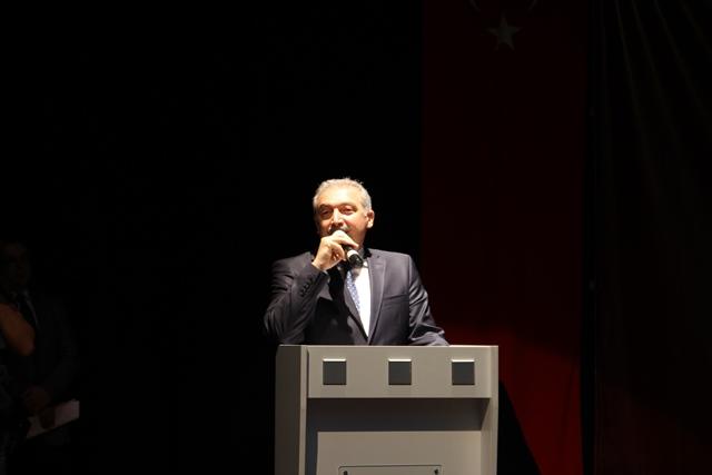 http://medit.fsm.edu.tr/resimler/upload/Direnen-Meal-Mehmet-Akif-Meali-Uluslararasi-Sempozyumu-Yapildi-3120413.jpg