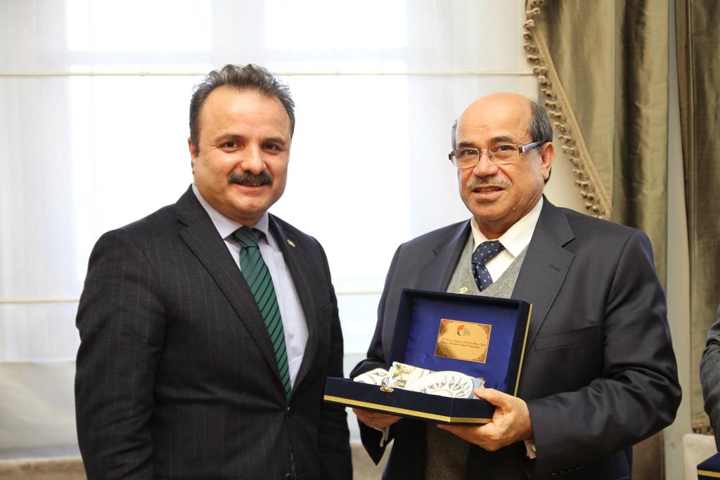 http://medit.fsm.edu.tr/resimler/upload/Istanbul-ve-Konya-Akademik-Anlamda-Butunlesiyor-6270114.jpg
