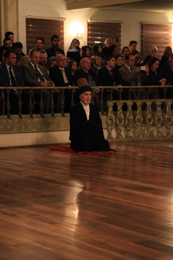 http://medit.fsm.edu.tr/resimler/upload/Seb-i-Arus-un-Yil-Donumunde-Mevlana-yi-Andik-4221214.jpg