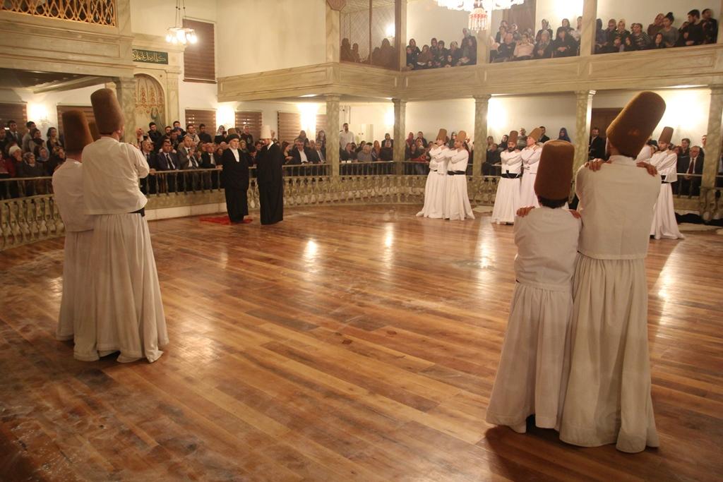 http://medit.fsm.edu.tr/resimler/upload/Seb-i-Arus-un-Yil-Donumunde-Mevlana-yi-Andik-8221214.jpg