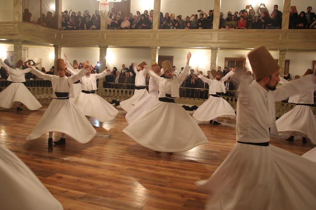 http://medit.fsm.edu.tr/resimler/upload/Seb-i-Arus-un-Yil-Donumunde-Mevlana-yi-Andik-9221214.jpg